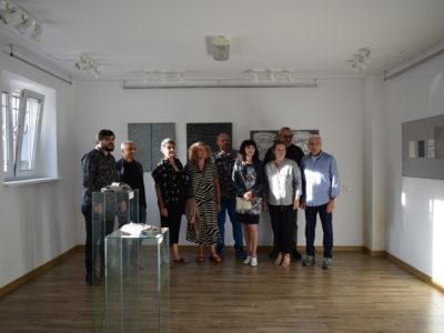 """Wernisaż prac X Intermedialnego Międzynarodowego Pleneru Sypniewo 2019 """"Sztuka bez granic"""""""